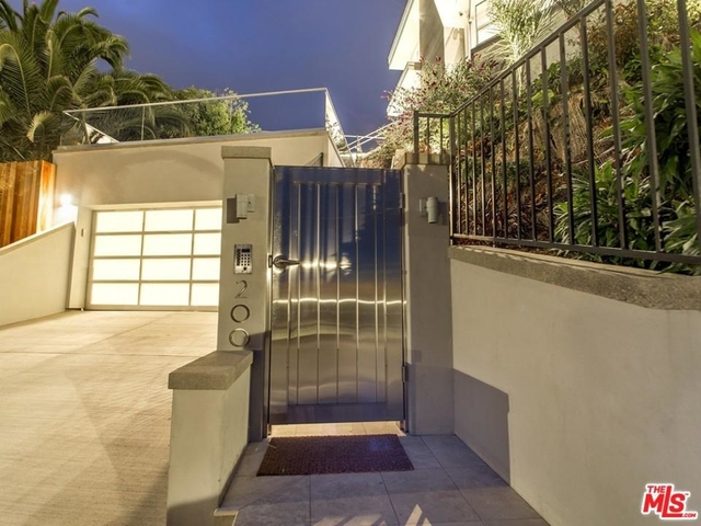 4 Bedrooms, Pacific Palisades Rental in Los Angeles, CA for $50,000 - Photo 2