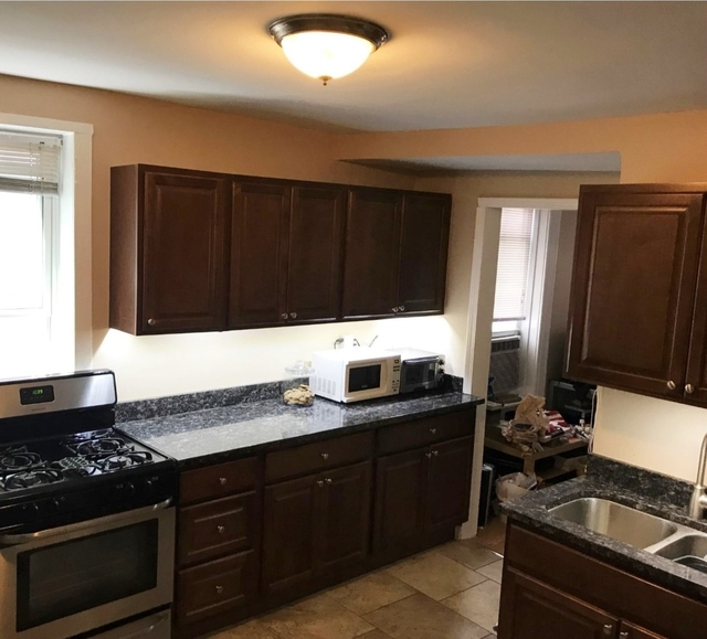 2 Bedrooms, Roscoe Village Rental in Chicago, IL for $1,650 - Photo 2