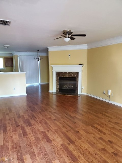 3 Bedrooms, Mays Rental in Atlanta, GA for $1,300 - Photo 2