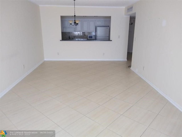 1 Bedroom, Golden Shores Ocean Boulevard Estates Rental in Miami, FL for $1,600 - Photo 2