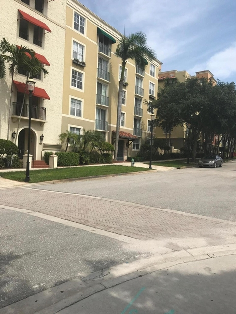 2 Bedrooms, Courtyards in Cityplace Condominiums Rental in Miami, FL for $1,895 - Photo 2
