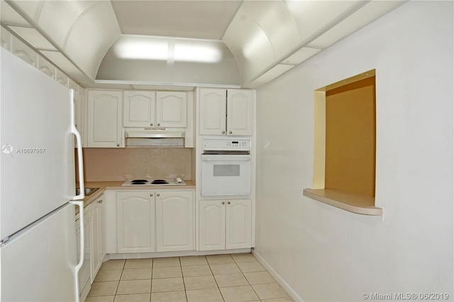 1 Bedroom, Golden Shores Ocean Boulevard Estates Rental in Miami, FL for $1,370 - Photo 2