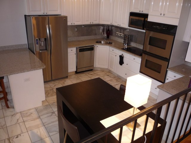 2 Bedrooms, Gold Coast Rental in Chicago, IL for $3,000 - Photo 2