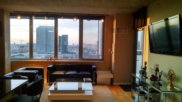 1 Bedroom, West Loop Rental in Chicago, IL for $2,500 - Photo 2