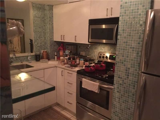 2 Bedrooms, Belle View Rental in Miami, FL for $2,300 - Photo 2