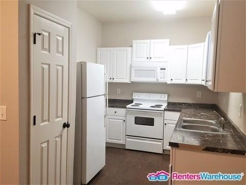 4 Bedrooms, Grove Park Rental in Atlanta, GA for $1,380 - Photo 2