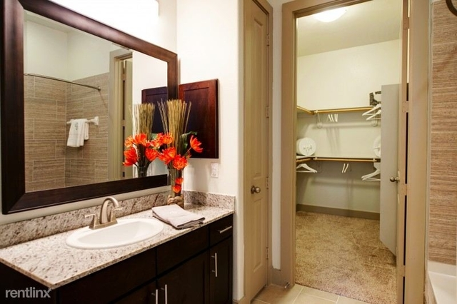 3 Bedrooms, Grogan's Mill Rental in Houston for $2,235 - Photo 1