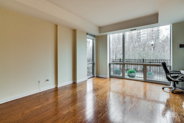 3 Bedrooms, Prairie District Rental in Chicago, IL for $3,950 - Photo 2
