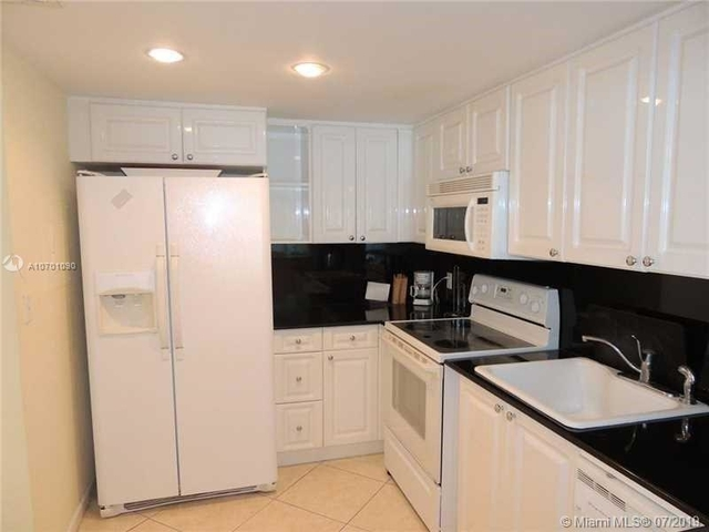 1 Bedroom, West Avenue Rental in Miami, FL for $2,250 - Photo 2