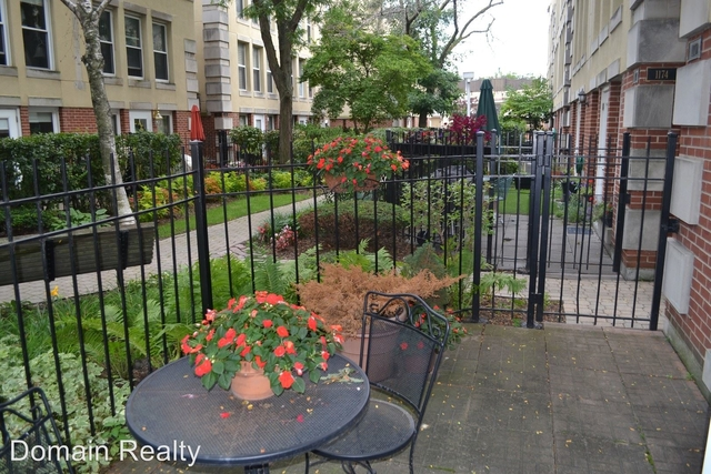 2 Bedrooms, Dearborn Park Rental in Chicago, IL for $2,250 - Photo 2