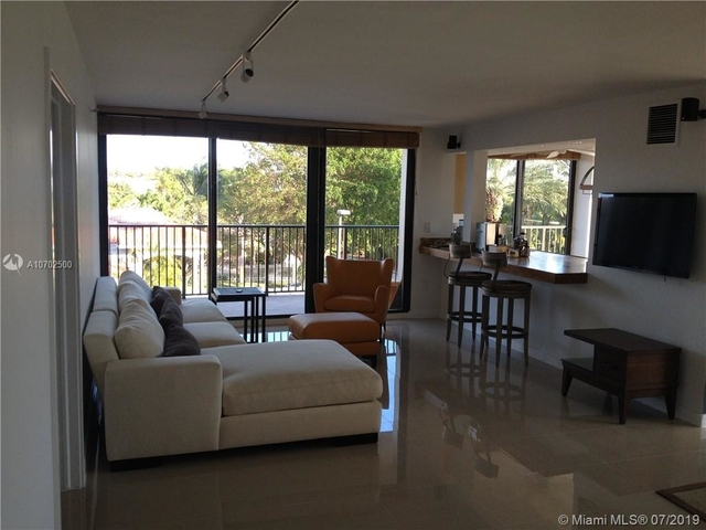 2 Bedrooms, Biscayne Island Rental in Miami, FL for $3,275 - Photo 1