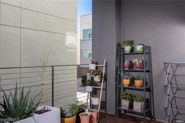 3 Bedrooms, Westside Costa Mesa Rental in Los Angeles, CA for $4,200 - Photo 2