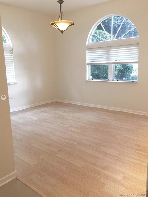 2 Bedrooms, Flamingo - Lummus Rental in Miami, FL for $2,200 - Photo 1