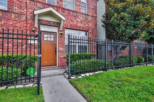 2 Bedrooms, Midtown Village Rental in Houston for $1,950 - Photo 2