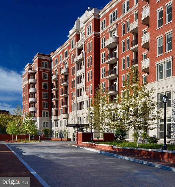 2 Bedrooms, Woodley Park Rental in Washington, DC for $5,928 - Photo 1