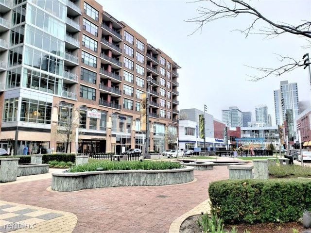 2 Bedrooms, Soldier Field Complex Rental in Chicago, IL for $2,885 - Photo 2