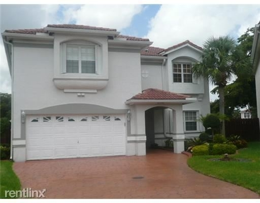 4 Bedrooms, Holiday Springs Village Rental in Miami, FL for $2,750 - Photo 1