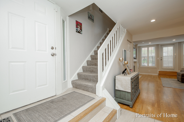 3 Bedrooms, Dearborn Park Rental in Chicago, IL for $4,000 - Photo 2