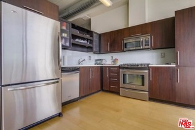 1 Bedroom, South Park Rental in Los Angeles, CA for $3,350 - Photo 1