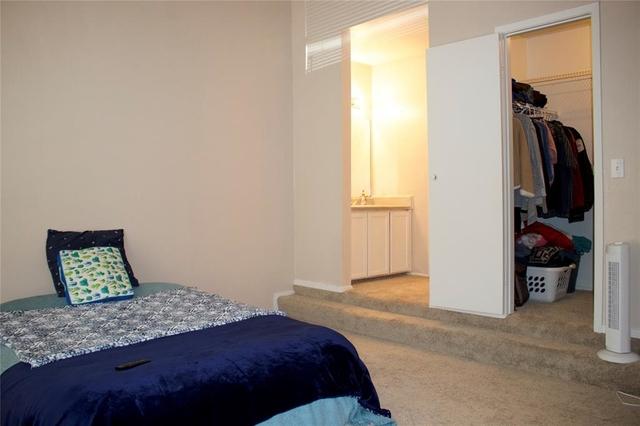 3 Bedrooms, Village of Fondren Condominiums Rental in Houston for $1,150 - Photo 2