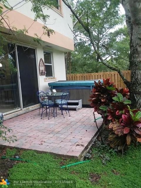 3 Bedrooms, Hidden Cove Condominiums Rental in Miami, FL for $2,425 - Photo 2