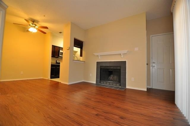 1 Bedroom, Easton Apartments Rental in Dallas for $875 - Photo 2