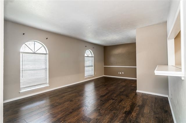 3 Bedrooms, The Colony Rental in Dallas for $1,750 - Photo 2