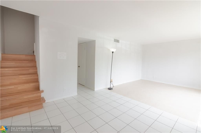 3 Bedrooms, Park City Rental in Miami, FL for $1,850 - Photo 2
