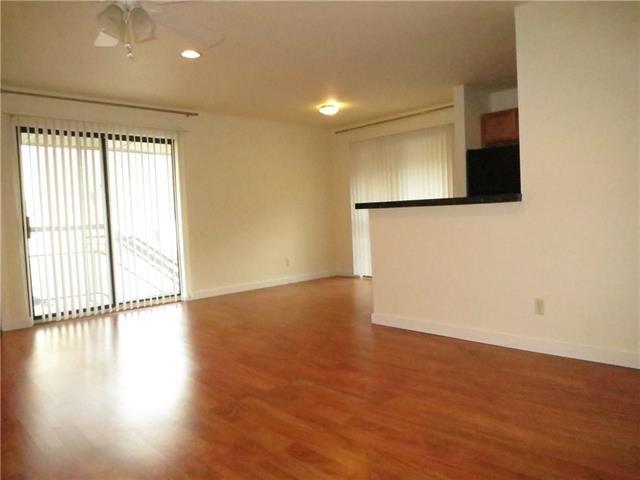 1 Bedroom, North Oaklawn Rental in Dallas for $1,125 - Photo 2