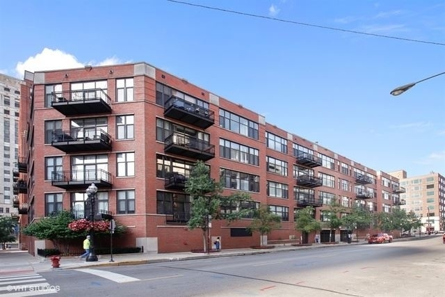 2 Bedrooms, River North Rental in Chicago, IL for $2,700 - Photo 1