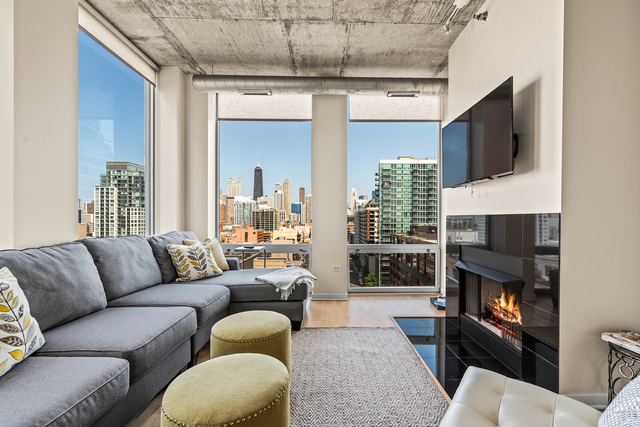 2 Bedrooms, River North Rental in Chicago, IL for $3,400 - Photo 2