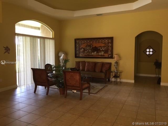 6 Bedrooms, Davie Rental in Miami, FL for $5,200 - Photo 2