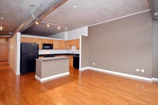 1 Bedroom, Goose Island Rental in Chicago, IL for $1,950 - Photo 2