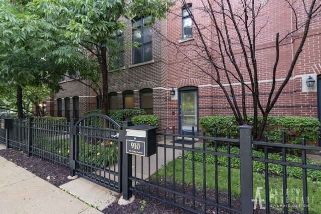 3 Bedrooms, University Village - Little Italy Rental in Chicago, IL for $3,200 - Photo 1