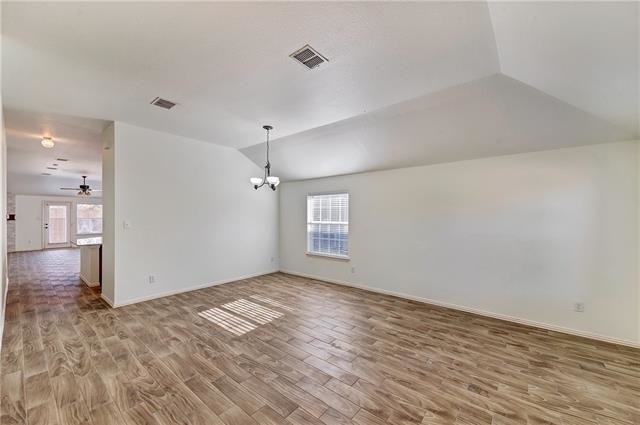 3 Bedrooms, Legend Crest Rental in Dallas for $1,950 - Photo 2
