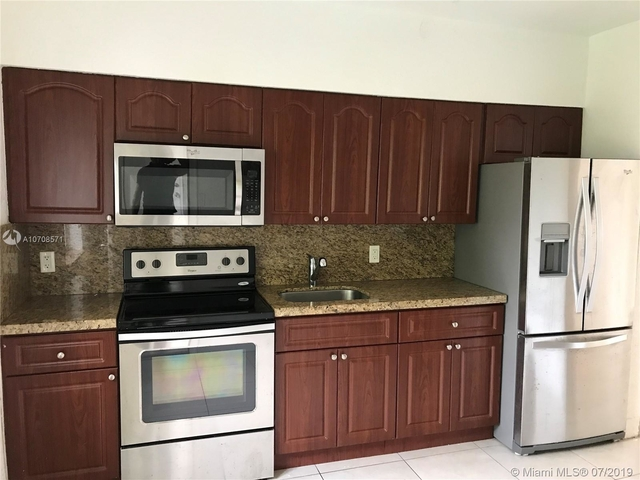 2 Bedrooms, Riverview Rental in Miami, FL for $1,450 - Photo 2