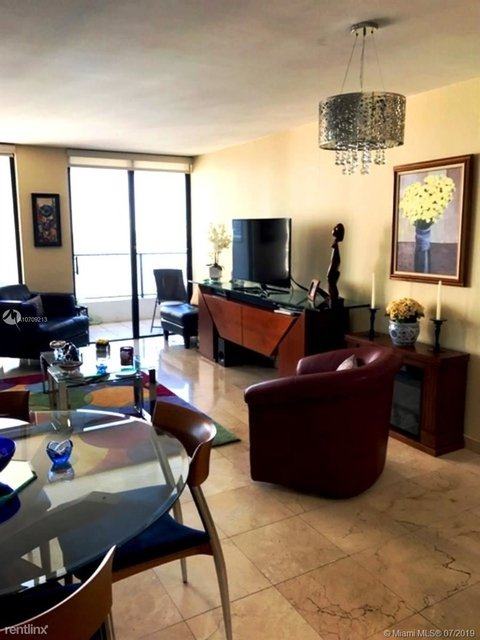 1 Bedroom, Plaza Venetia Rental in Miami, FL for $1,700 - Photo 1