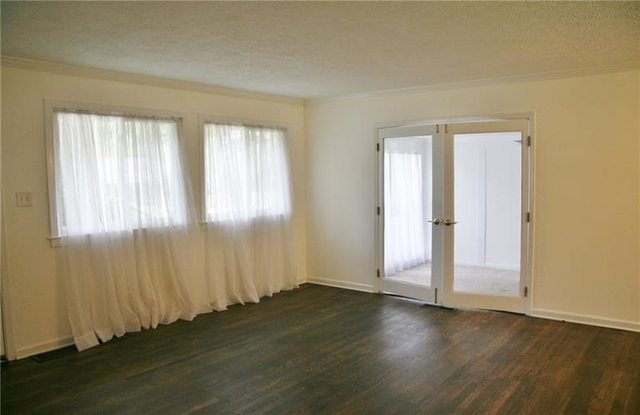 3 Bedrooms, North Atlanta Rental in Atlanta, GA for $2,300 - Photo 2