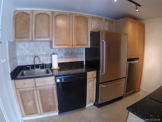 1 Bedroom, Millionaire's Row Rental in Miami, FL for $1,995 - Photo 2