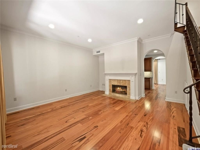 2 Bedrooms, Playhouse District Rental in Los Angeles, CA for $3,500 - Photo 1