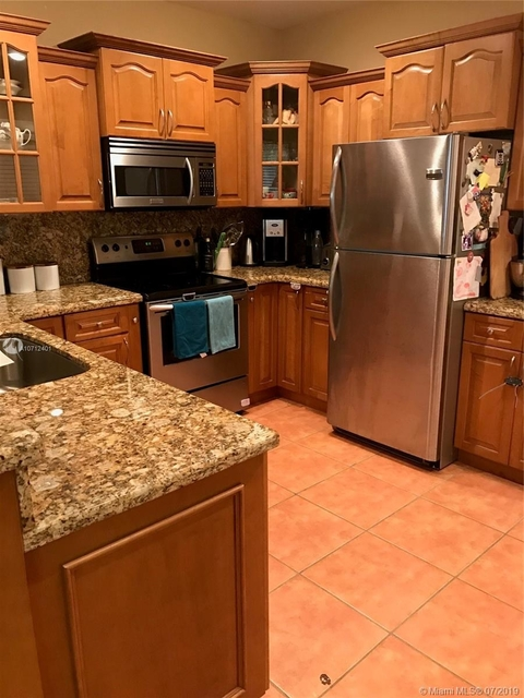 3 Bedrooms, Coral Gables Section Rental in Miami, FL for $2,800 - Photo 2