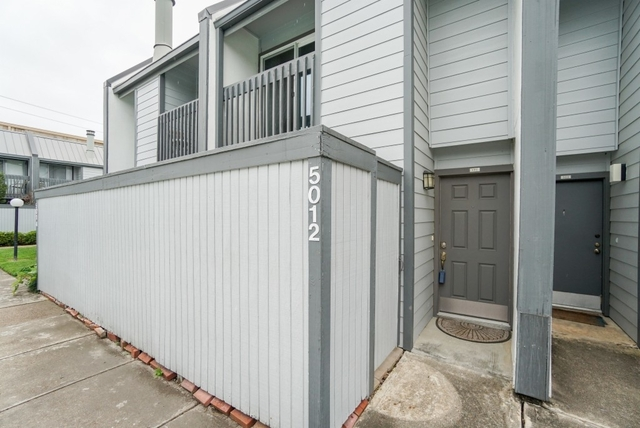 2 Bedrooms, Glenmont Place Townhome Condominiums Rental in Houston for $1,350 - Photo 1