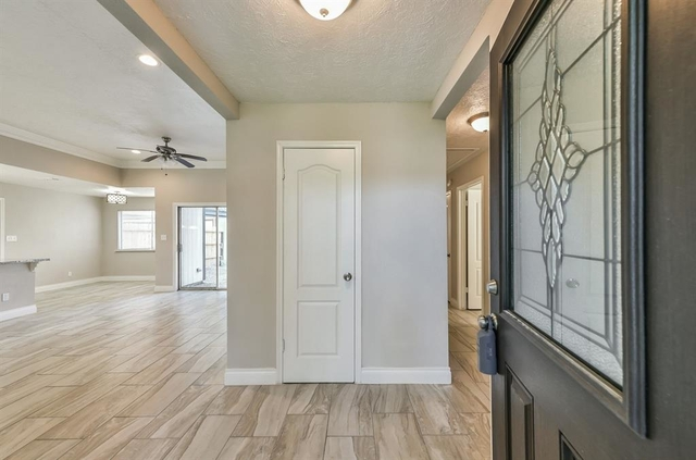 4 Bedrooms, Brook Forest Rental in Houston for $1,950 - Photo 1