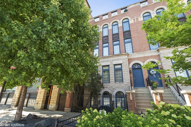 3 Bedrooms, River North Rental in Chicago, IL for $9,500 - Photo 1