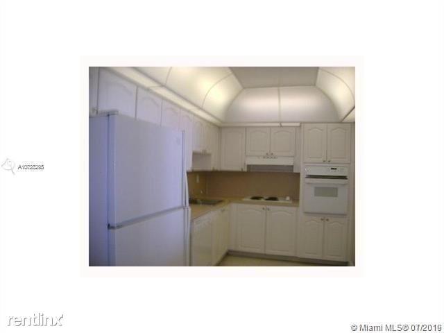 2 Bedrooms, Golden Shores Ocean Boulevard Estates Rental in Miami, FL for $2,000 - Photo 2