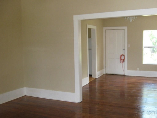 2 Bedrooms, University of Texas Medical Branch Rental in Houston for $1,150 - Photo 2