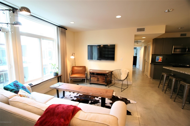 2 Bedrooms, Downtown Pasadena Rental in Los Angeles, CA for $3,300 - Photo 1