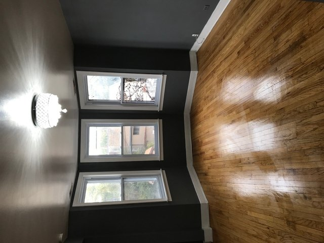 3 Bedrooms, Roscoe Village Rental in Chicago, IL for $1,800 - Photo 2