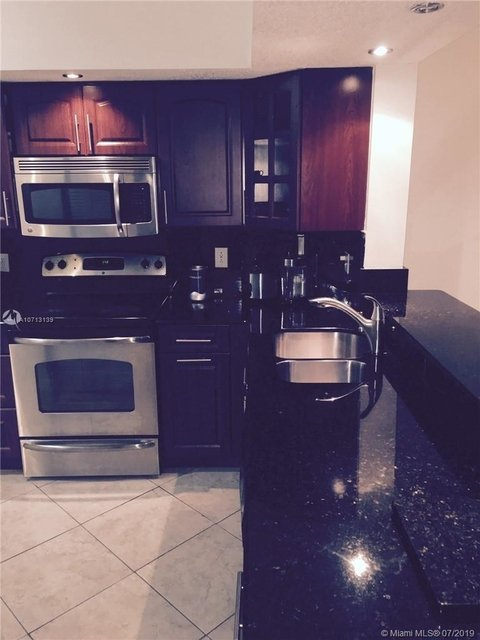 2 Bedrooms, Country Lake Rental in Miami, FL for $1,550 - Photo 1