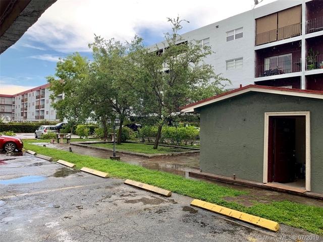 3 Bedrooms, Lake Robin Rental in Miami, FL for $1,700 - Photo 2